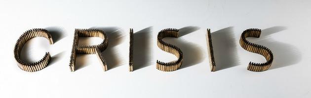 Temporary illusions, la finanza effimera tra bossoli, euro e installazioni (gallery)