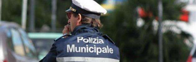 """Vigili urbani nel caos. Pizzarotti non conferma il capo: """"Ci vuole più autorità"""""""
