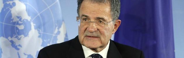 """Primarie, Prodi al seggio: """"Non dico chi voto, ma orgoglioso di esserci"""" (video)"""