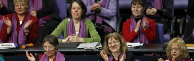 Quote rosa nei cda, l'Unione europea dice sì. Poi annacqua la legge