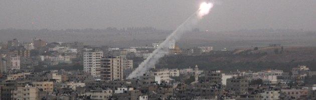 """Gaza, """"è la strage degli innocenti"""". Morti 10 bambini. Obama: """"Tregua"""""""