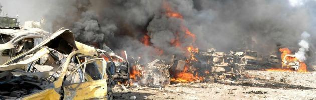 Siria, bombe sulle zone in rivolta, domani conferenza dei ribelli a Doha