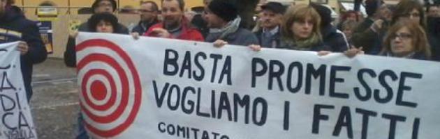 """Terremoto, in 1000 contro Monti: """"La ricostruzione non è ancora partita"""""""