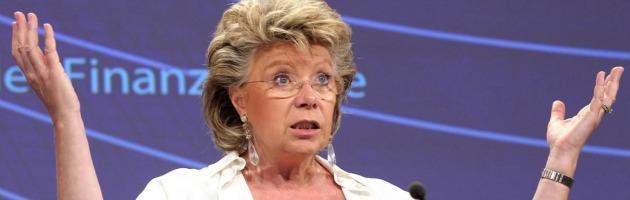 Reding festeggia su Twitter le quote rosa nelle aziende Ue. Gli altri utenti no