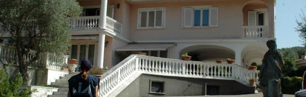 Campania, ipoteche e occupazioni bloccano un terzo dei beni confiscati