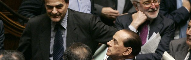 """Bersani contro Berlusconi: """"Stupidaggini sullo spread"""". """"Faremo bene al Senato"""""""