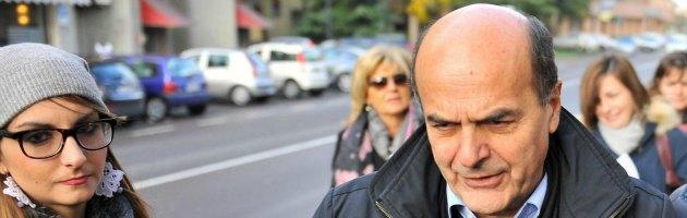 """Bersani bocciato dal fratello e dai vicini di casa: """"Ora lasci spazio a Renzi"""" (video)"""