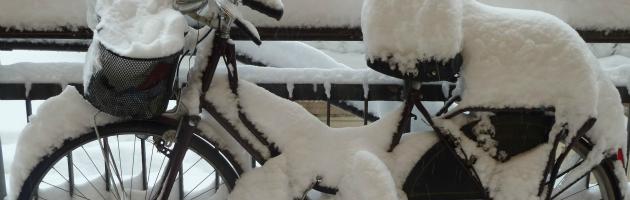 """Neve, dietrofront di Merola: """"Bolognesi usate pure la bici"""""""