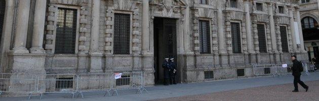 Milano, il Comune autorizza il matrimonio anche se è clandestina