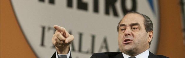 """Elezioni 2013, Di Pietro: """"L'Idv ci sarà"""". Cambia simbolo e farà primarie sul web"""