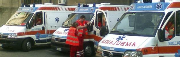 """'Guerra' tra ambulanze in ospedale. Raid e gomme forate: """"Non ci facevano passare"""""""