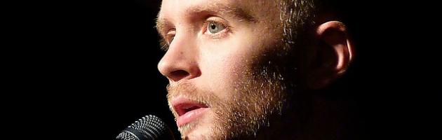 Jens Lekman al Bronson. Lo svedese che canta l'amore suonando l'ukulele