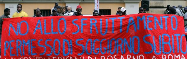 """Caporalato e mafie: """"700mila schiavi nell'agricoltura italiana"""""""