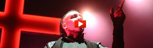 """Veglia in chiesa contro Marilyn Manson: """"Anche Imagine è musica satanica"""" (foto)"""