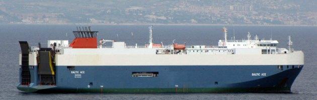 Olanda, nave cargo affonda nel mare del Nord dopo collisione: 5 morti