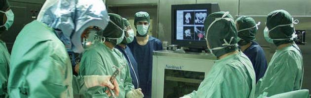 Ortopedico arrestato per concussione. Chiesti 4 mila euro al paziente da operare