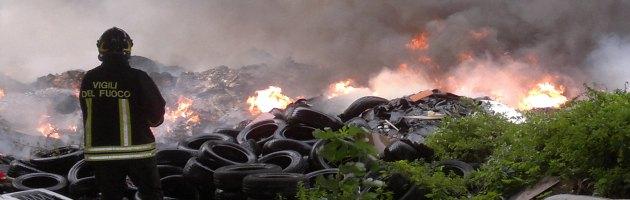 Rogo rifiuti tossici Napoli
