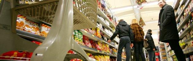 """Confcommercio: """"Consumi a marzo toccano il livello più basso dal 2000"""""""