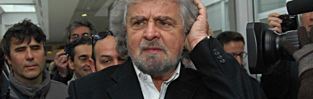 Mps, Grillo cerca l'abbraccio dei senesi. Tra sorrisi e toni morbidi