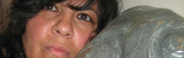 Scultrice a 45 anni: storia di Mariella, dall'azienda (fallita) all'intaglio delle pietre