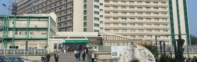 """Primario d'ospedale sotto inchiesta. Il pm: """"Visite private in orari di servizio"""""""