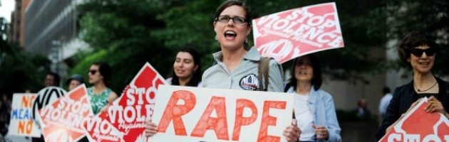 Stati Uniti, dopo 18 anni cancellata l'assistenza legale per le donne violentate