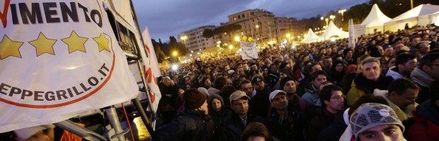 """Grillo e M5S, l'ultima fatica è un nuovo bagno di folla: """"Rivoluzione culturale"""""""