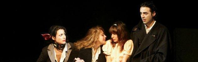 Prostituzione e nazismo a teatro, la sindrome di Stoccolma delle vittime
