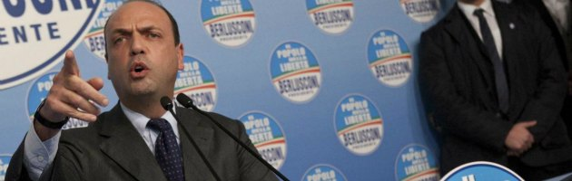 """Governo, Pdl contro Bersani: """"Patto con i 5 Stelle? Porta il Paese a sbattere"""""""