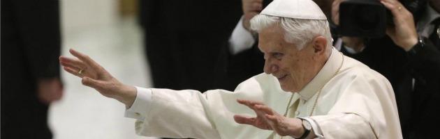 """Dimissioni Papa, Ratzinger al clero: """"Nascosto al mondo, ma vicino alla Chiesa"""""""
