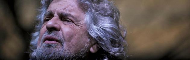 """Susa, Grillo: """"Ancora 10 giorni di fuoco. Ciucciate la matita: temo i brogli"""""""