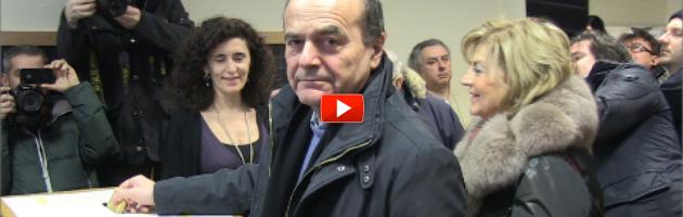 """Elezioni 2013, Bersani vota a Piacenza: """"Oggi è una festa, non c'è neve che tenga"""""""