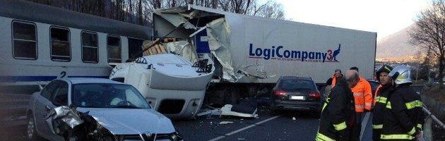 Incidente camion contro treno