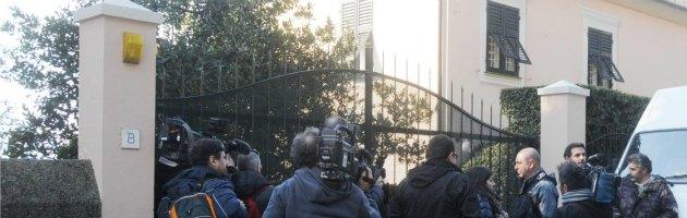 Pacco sospetto a casa di Grillo. Arrivano i carabinieri, ma era solo vino