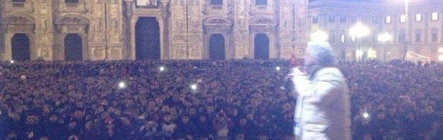 """Grillo a Milano riempe piazza Duomo: """"Arrendetevi, siete circondati"""""""