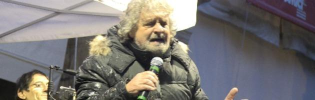 "Grillo a Bologna sotto al diluvio. ""Apparirò in tv ma mai in un talk show"" (video)"