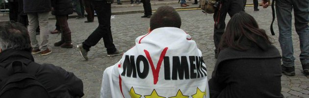 5 Stelle, flash mob a Bologna per 'accompagnare' i deputati in Parlamento