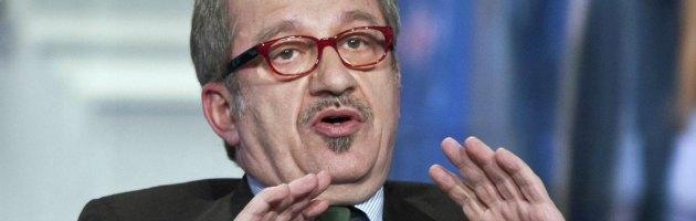 """Elezioni, la Lega contro le promesse di Berlusconi. Maroni: """"No al condono"""""""