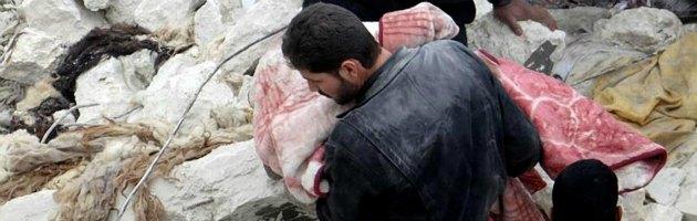 Siria, bombardamenti nel nord: uccisi una donna e sette bambini