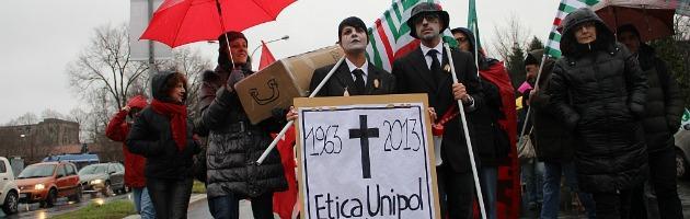 """Unipol, sciopero contro i 2200 esuberi. """"Gestione aziendale alla Marchionne"""""""