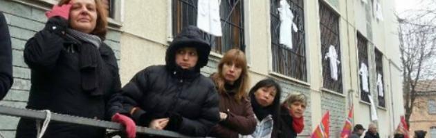 """Piacenza, chiude storico maglificio. 60 operaie a casa. Il sindaco: """"Tragedia sociale"""""""