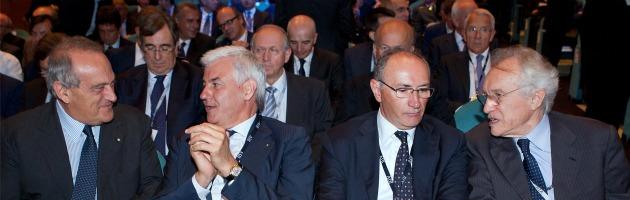 """Banche, Visco: """"Concentrazione di rischi eccessivi, aumentare capitale"""""""