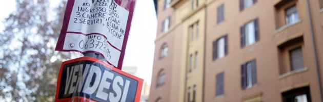 """Crisi, per tre milioni di famiglie la casa è diventata un costo """"insostenibile"""""""