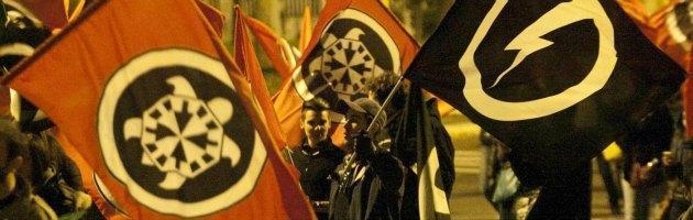 """Anonymous oscura il sito di CasaPound. """"Ideali discriminatori e fascisti"""""""