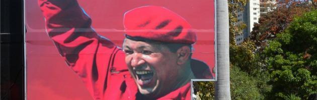 Chavez, funerali di Stato a Caracas. Presidente iraniano in lacrime