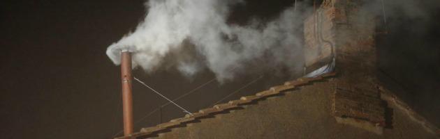 Eletto il nuovo Papa: fumata bianca in Piazza San Pietro