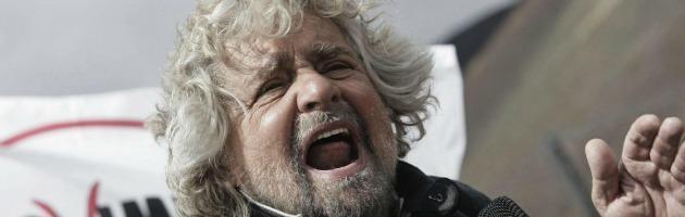 """Elezioni, Grillo: """"Nel Pd hanno la faccia come il culo, fanno il mercato delle vacche"""""""