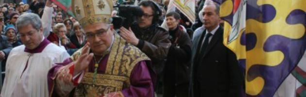 Ferrara, insediato nuovo vescovo. Criticò i pm e difese Berlusconi sul caso Ruby