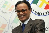 Magdi Allam lascia la Chiesa 'Legittima l'Islam e difende gli immigrati'