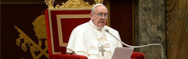 """Papa Francesco incontra i giornalisti e scherza: """"Avete lavorato"""""""